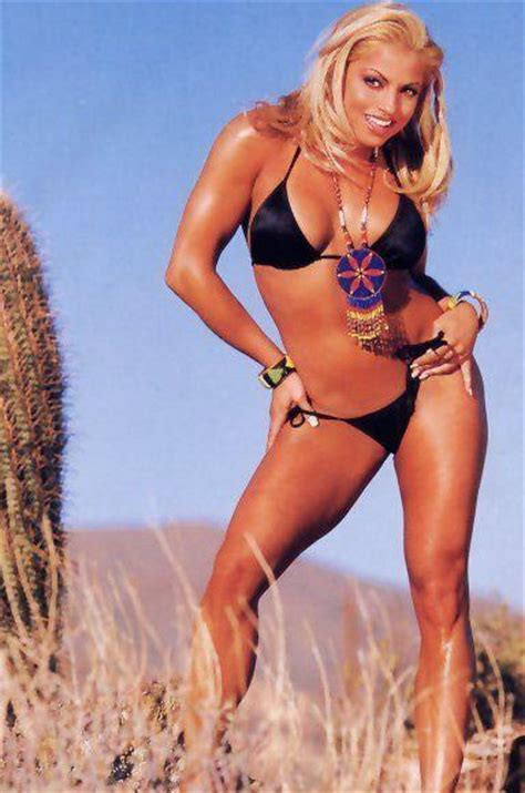 trish stratus looking hot