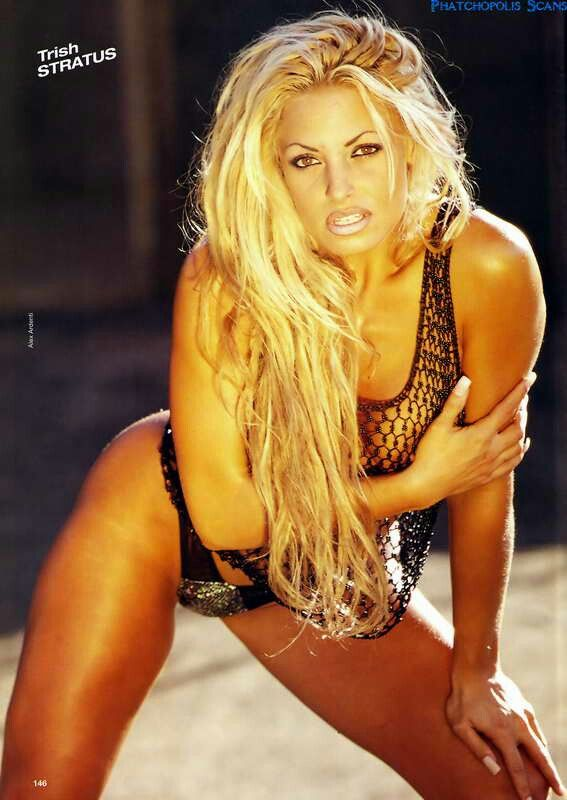 trish stratus looking sexy