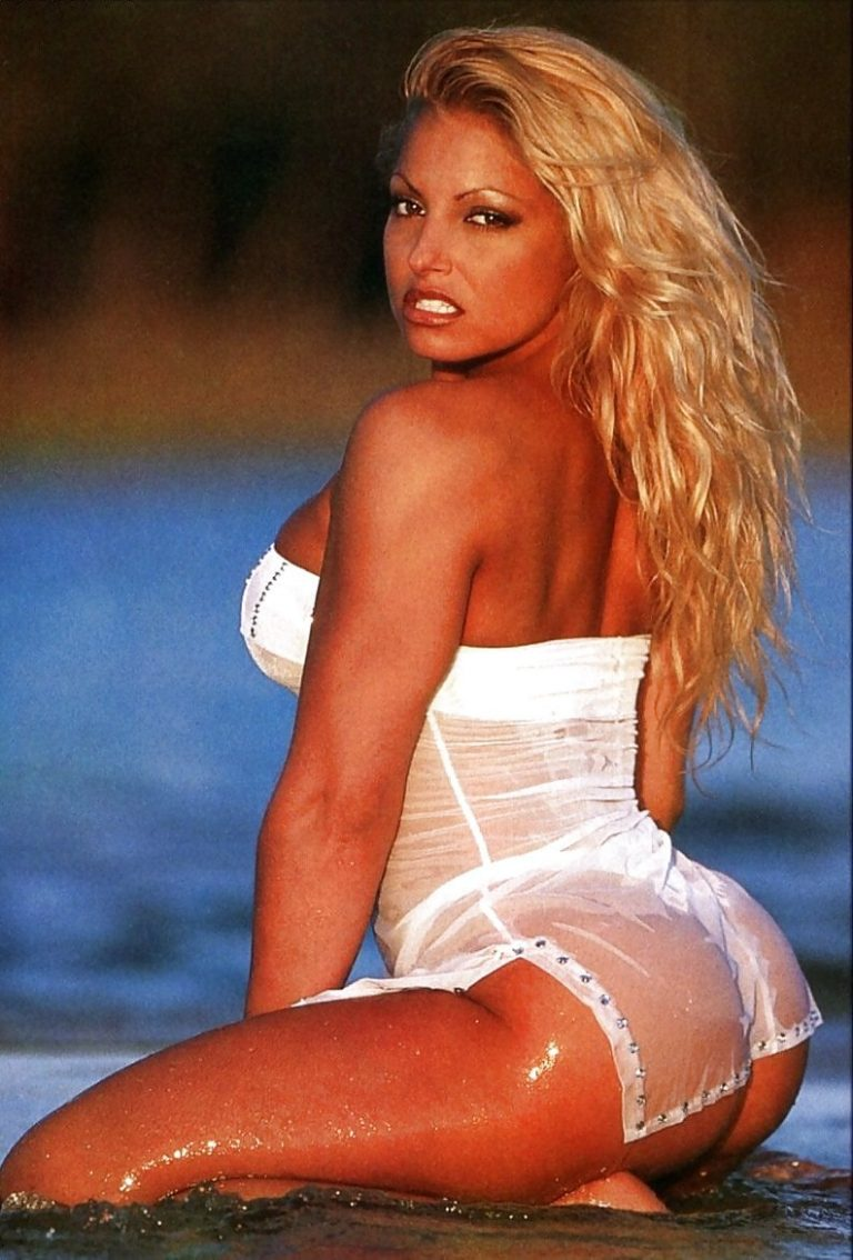 Trish Stratus Naked Pictures