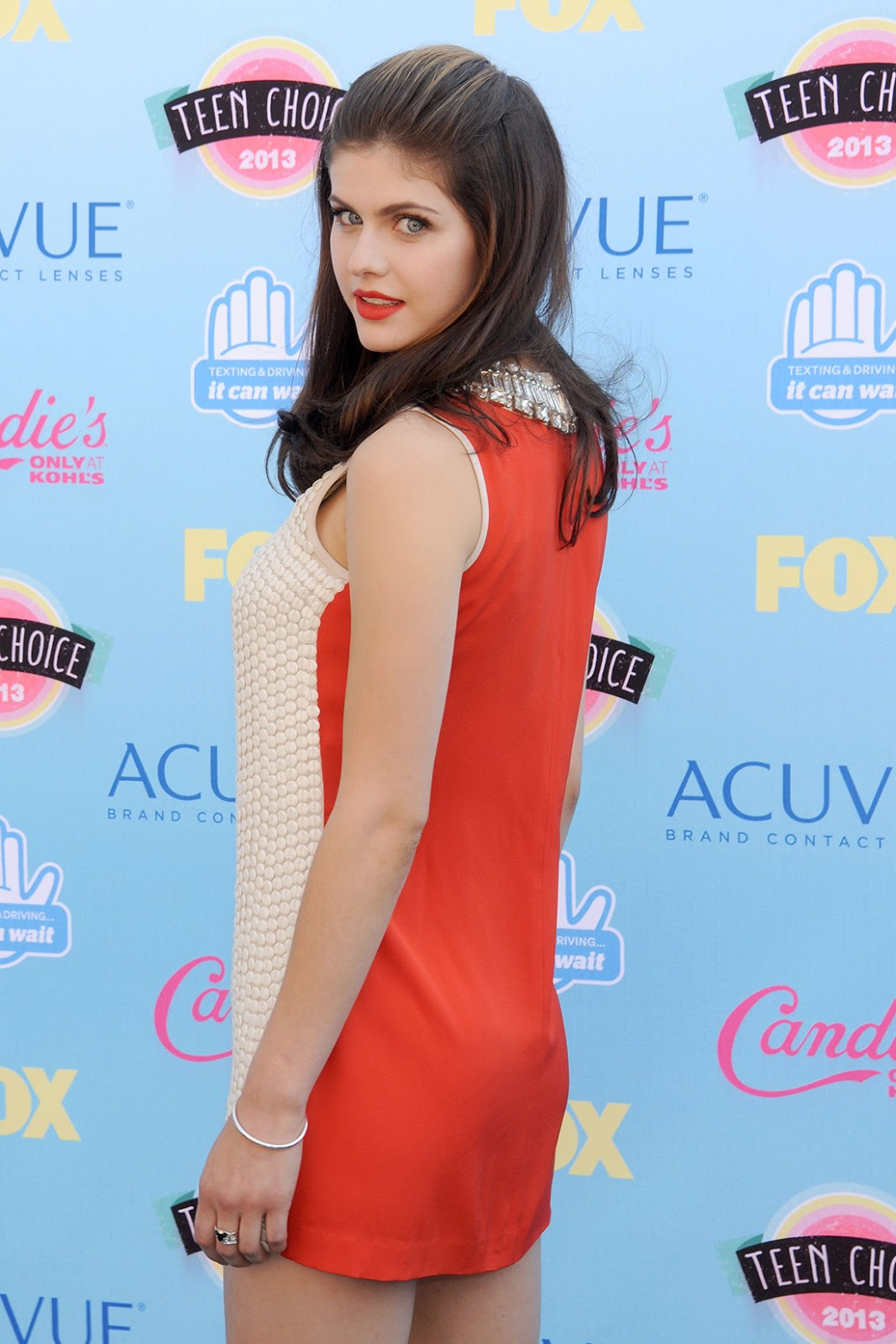 Alexandra Daddario Hot in Teen Choice