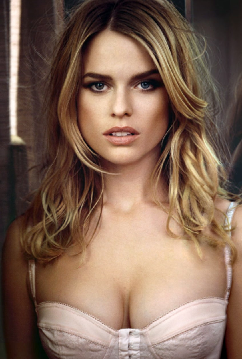Alice Eve Sexy Boobs