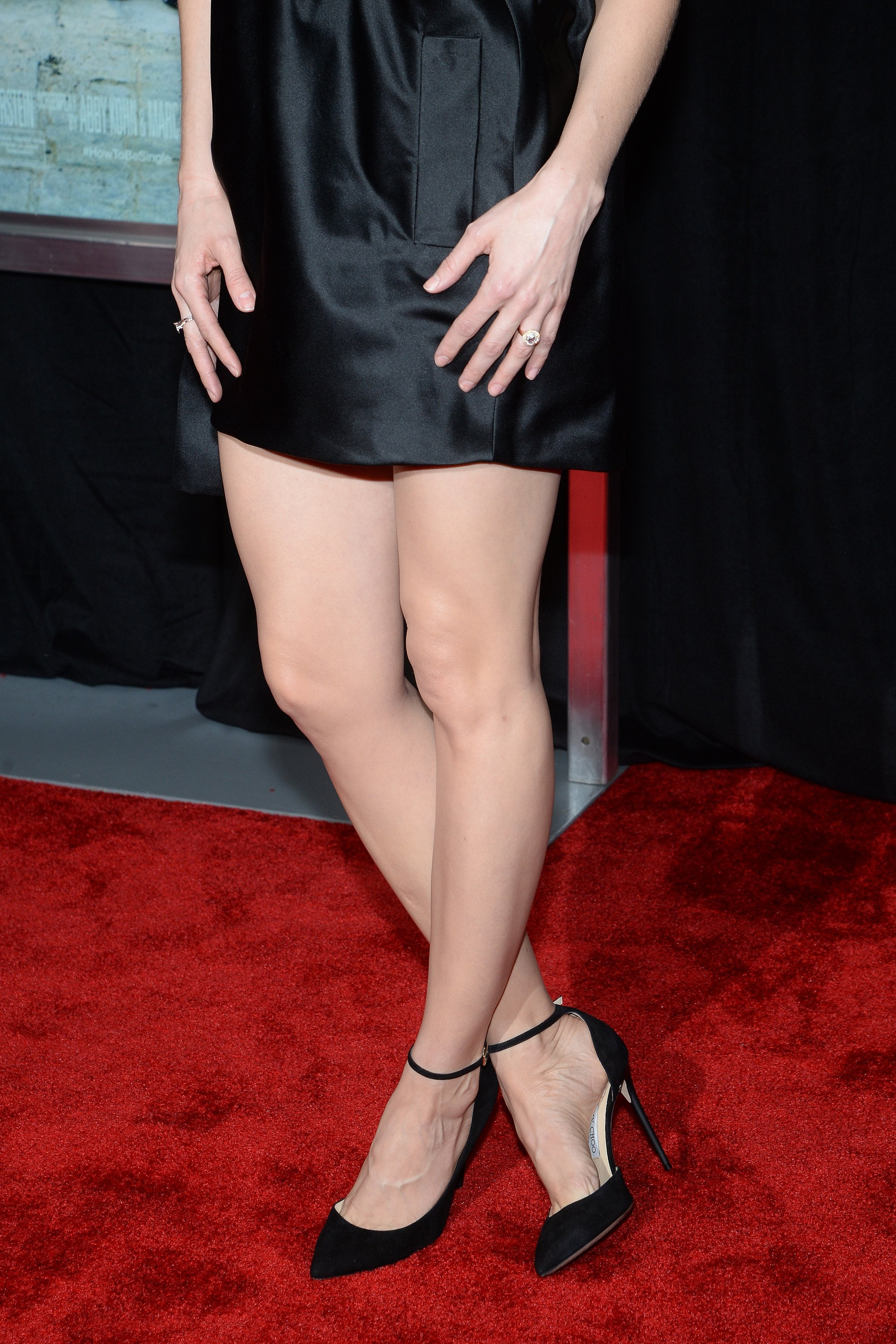 Alison Brie Sexy Feet Photo