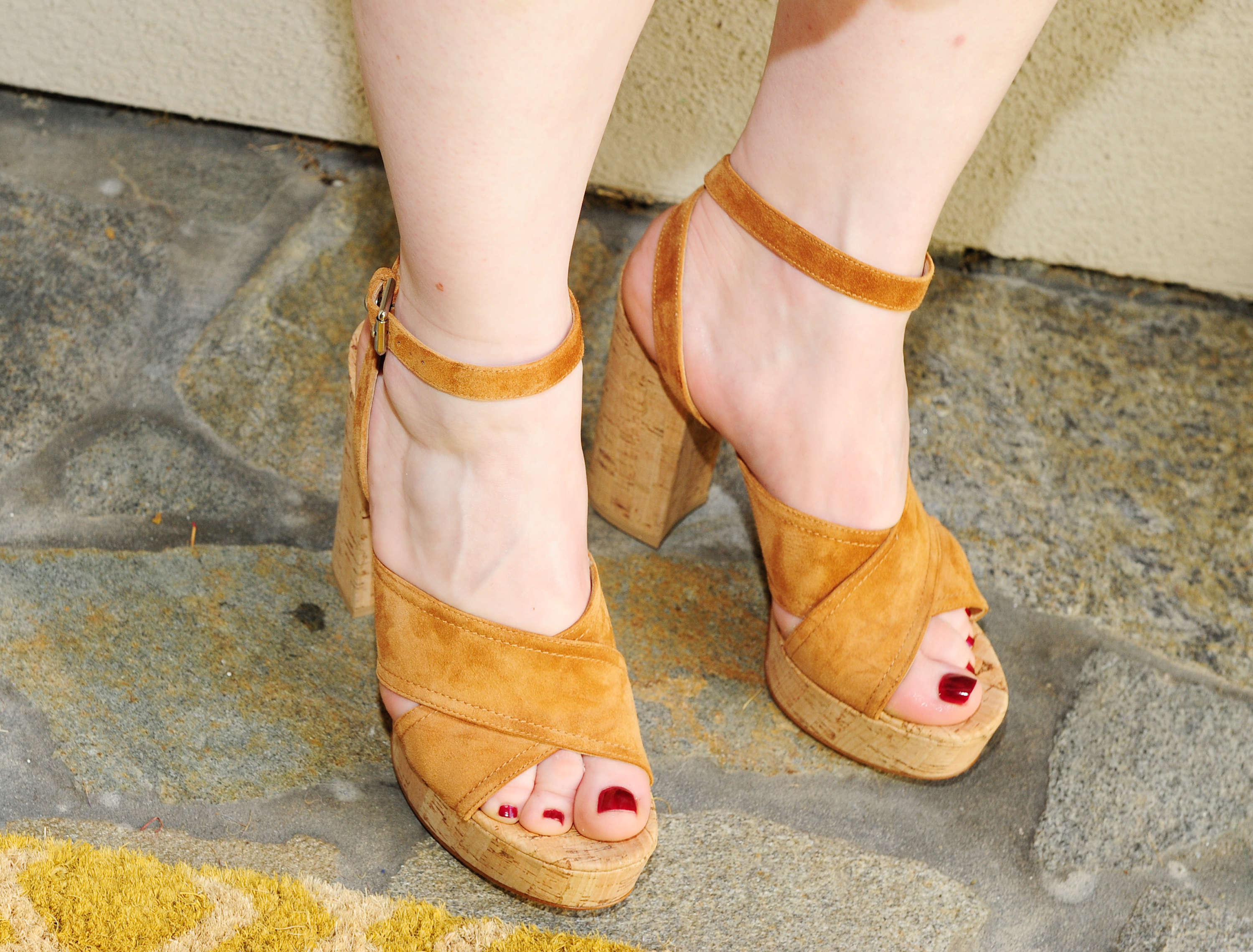 49 Sexy Bryce Dallas Howard Feet Pictures Prove That She