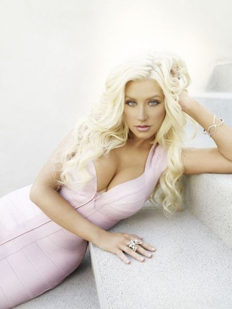 Christina Aguilera awesome cleavages