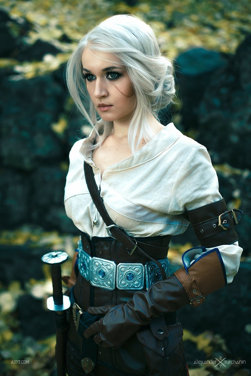 Ciri on Cosplay Dress