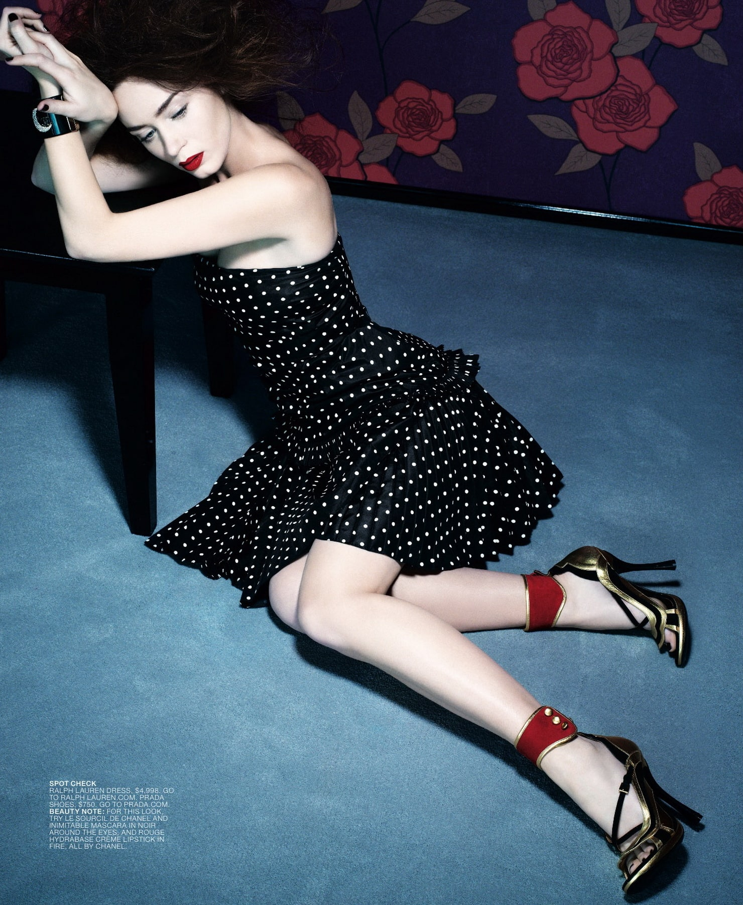 Emily-Blunt-Sexy Toes pictutres