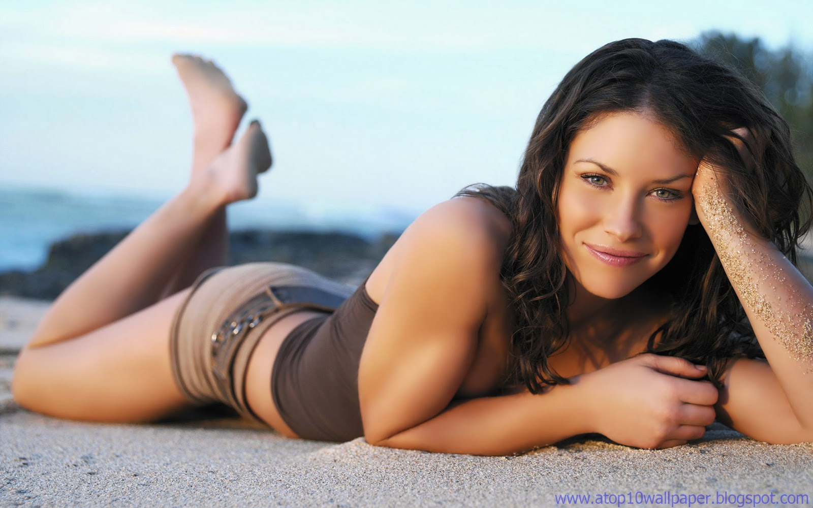 Evangeline Lilly ass pictures