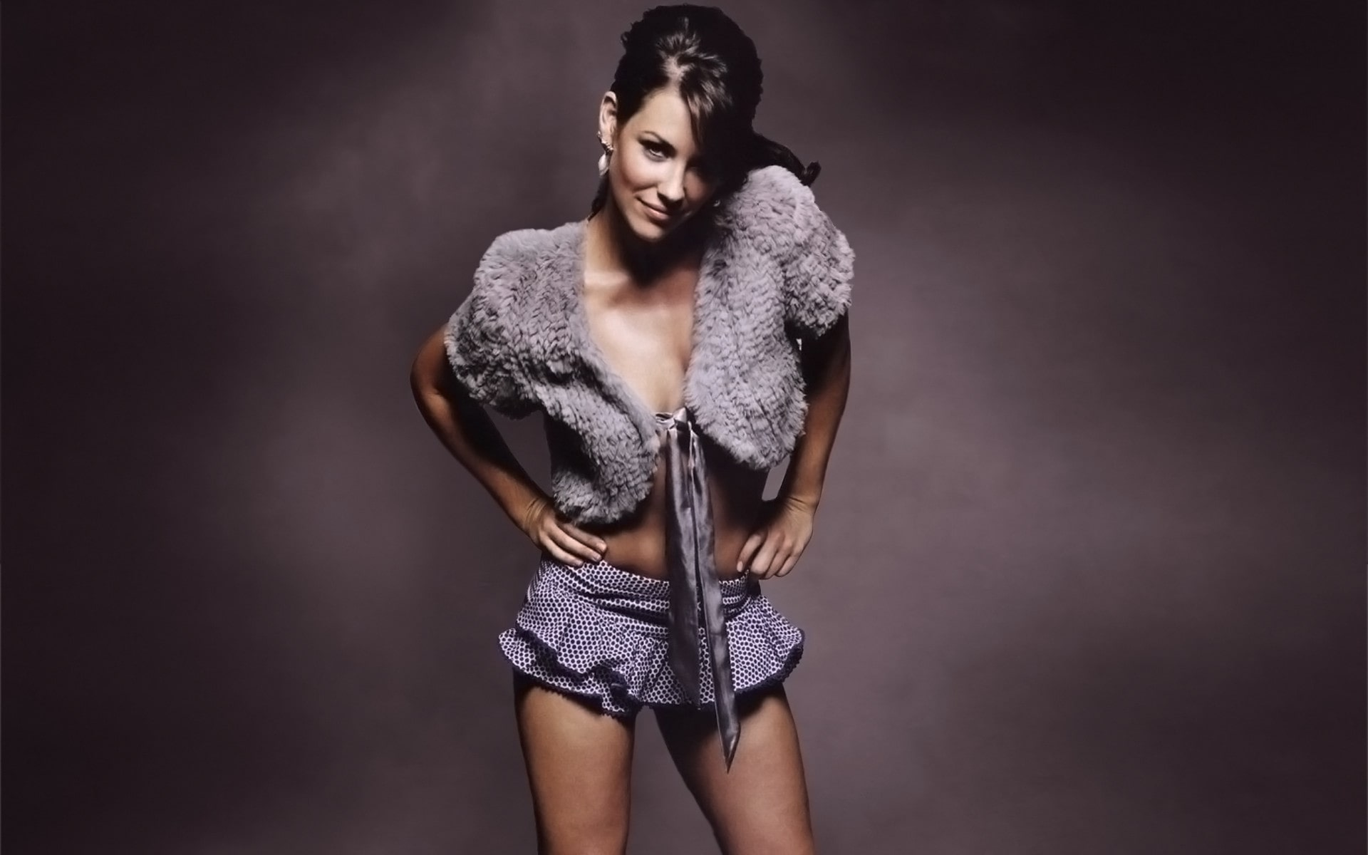 Evangeline Lilly beautiful pictures