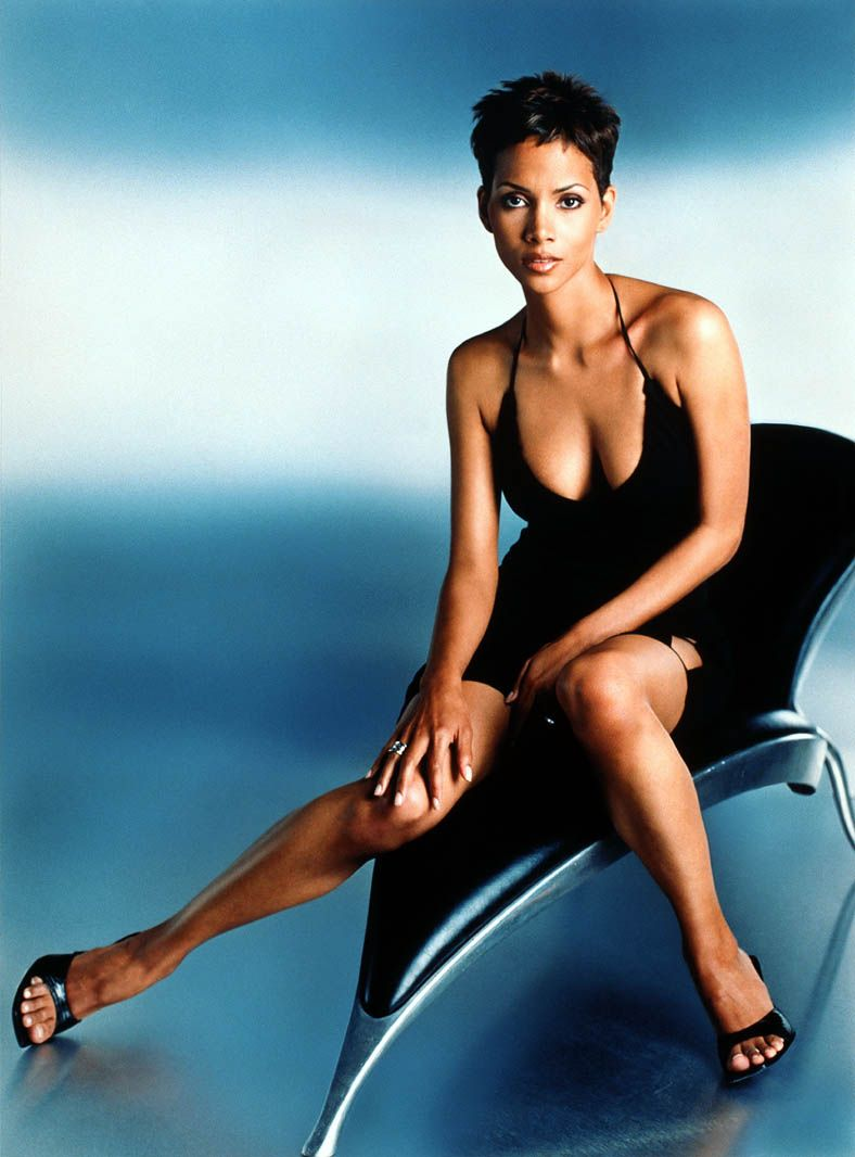 Halle Berry cleavages hot
