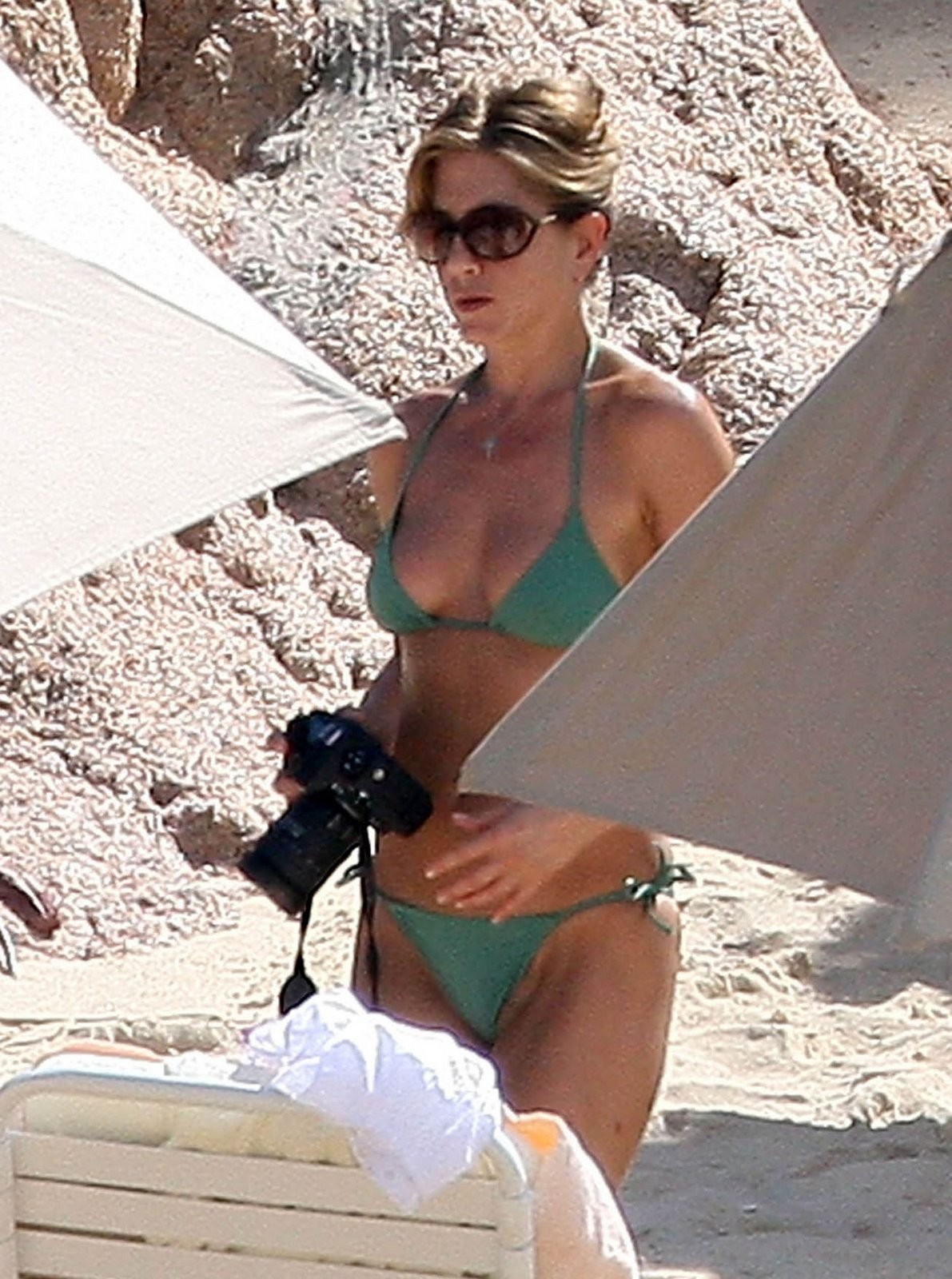 61 Hottest Jennifer Aniston Bikini Pictures Unveil Her Sexy Ass And Hour-Glass Figure  Best Of Comic Books-2647