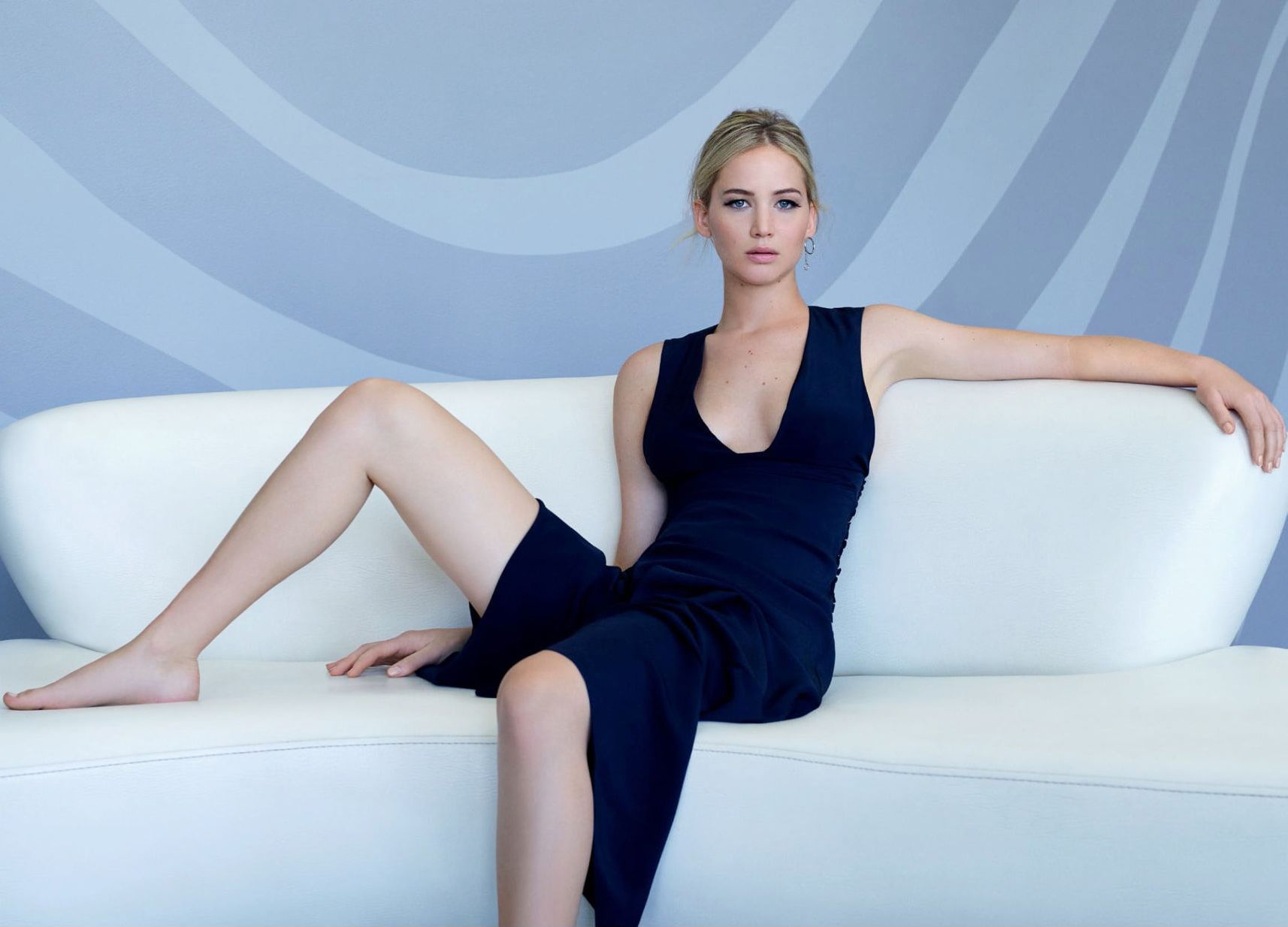 Jennifer Lawrence awesome feet pictures