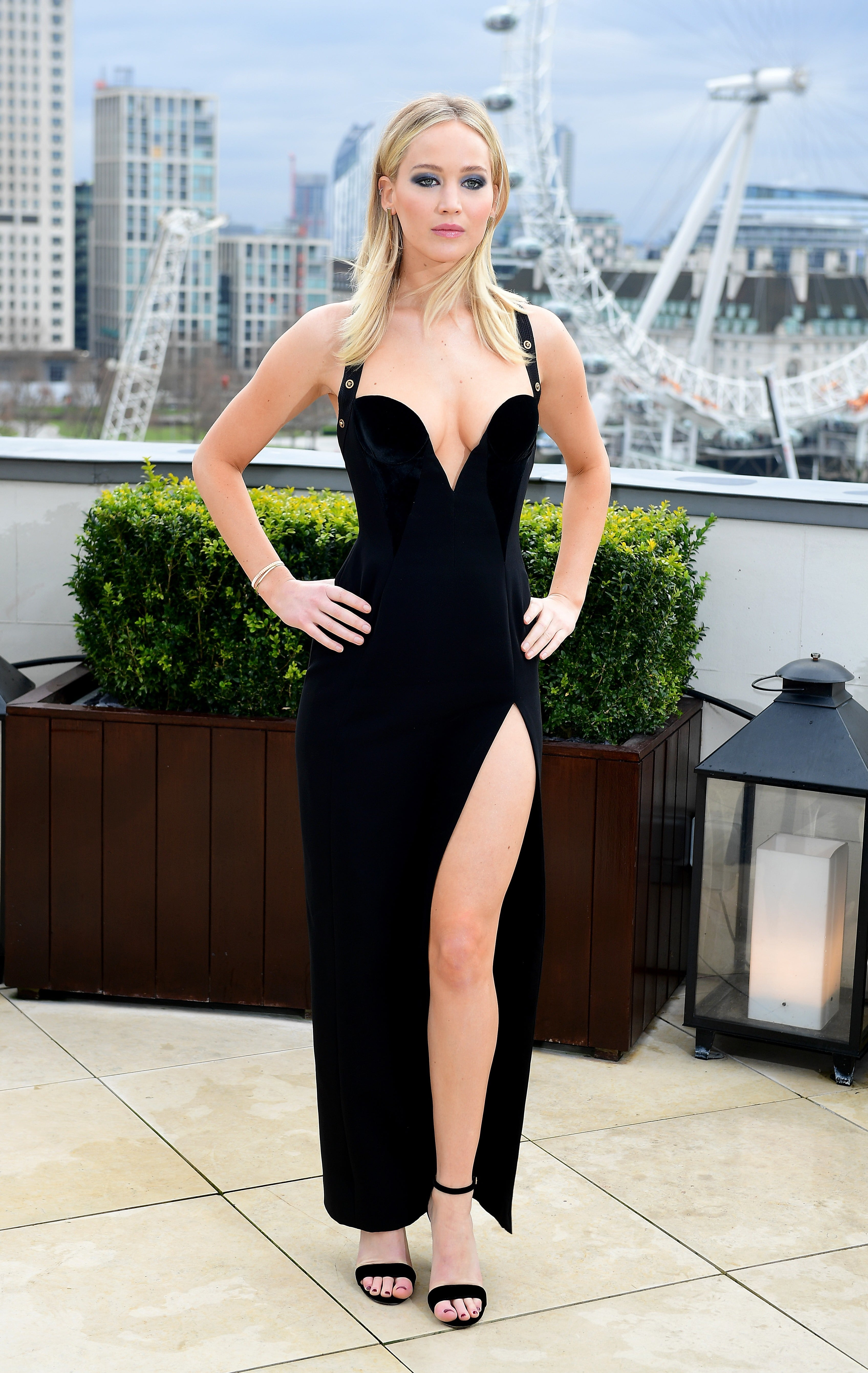 49 Hottest Jennifer Lawrence Sexy Feet Pictures Are ...