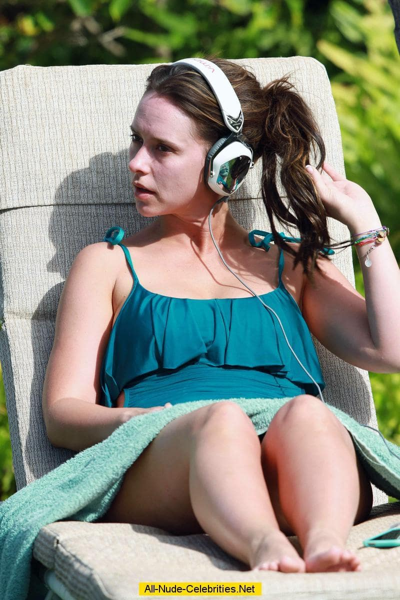 49 Sexy Jennifer Love Hewitt Feet Pictures Are Amazingly -1001