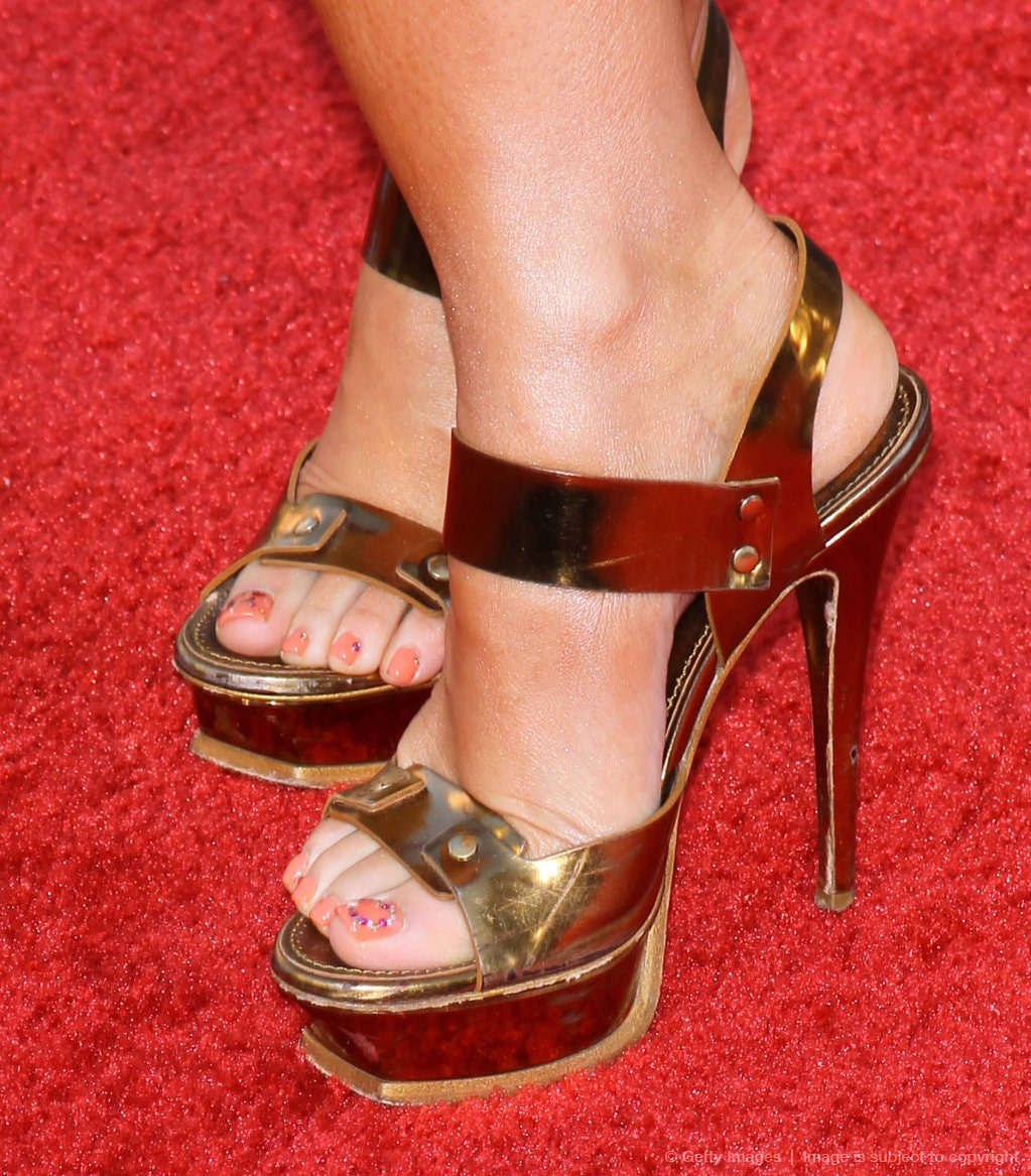 49 Sexy Jennifer Love Hewitt Feet Pictures Are Amazingly -9548