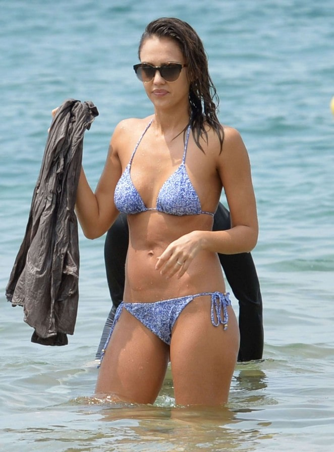 Jessica-Alba-Hot-in-Bikini