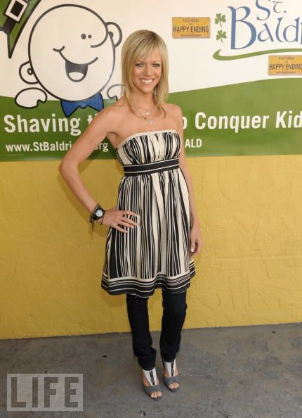 Kaitlin Olson cleavages beautiful