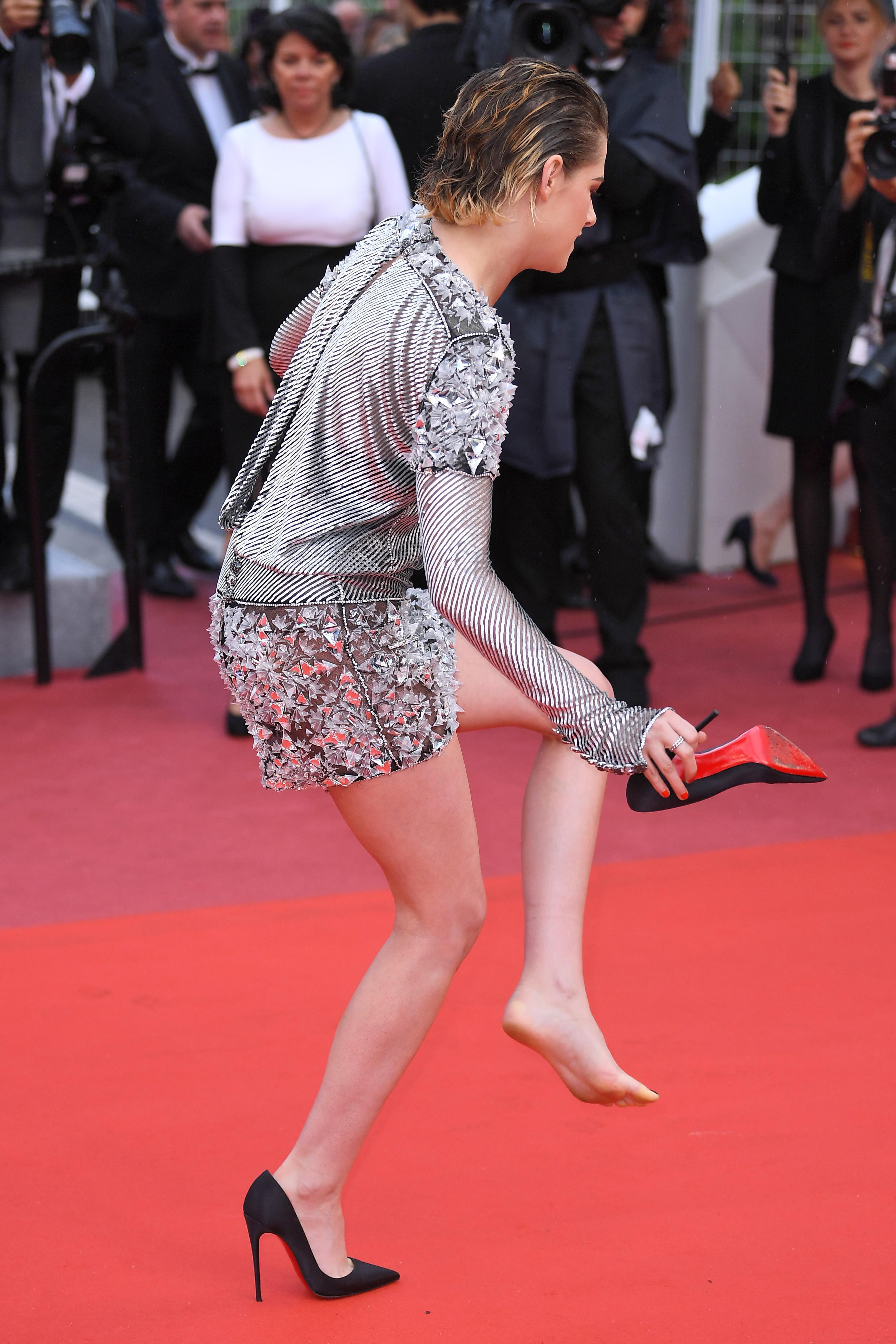 49 Sexy Kristen Stewart Feet Pictures Are Really