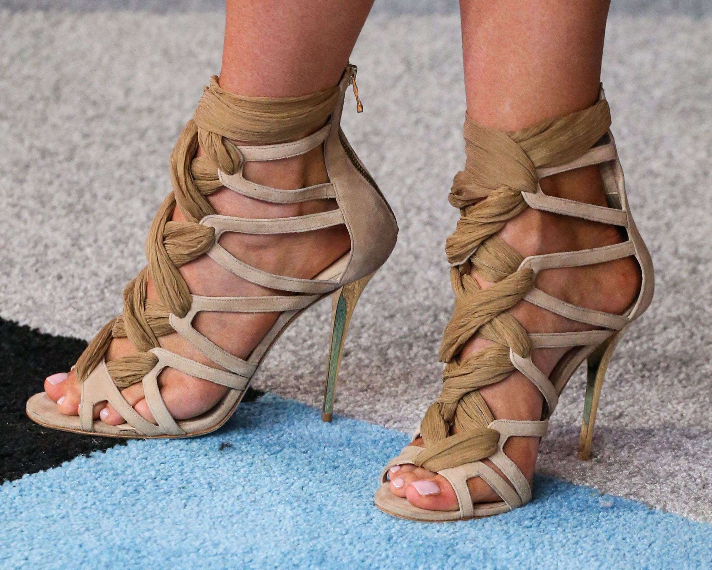 49 Sexy Kylie Jenner Feet Pictures Which Will Drive You