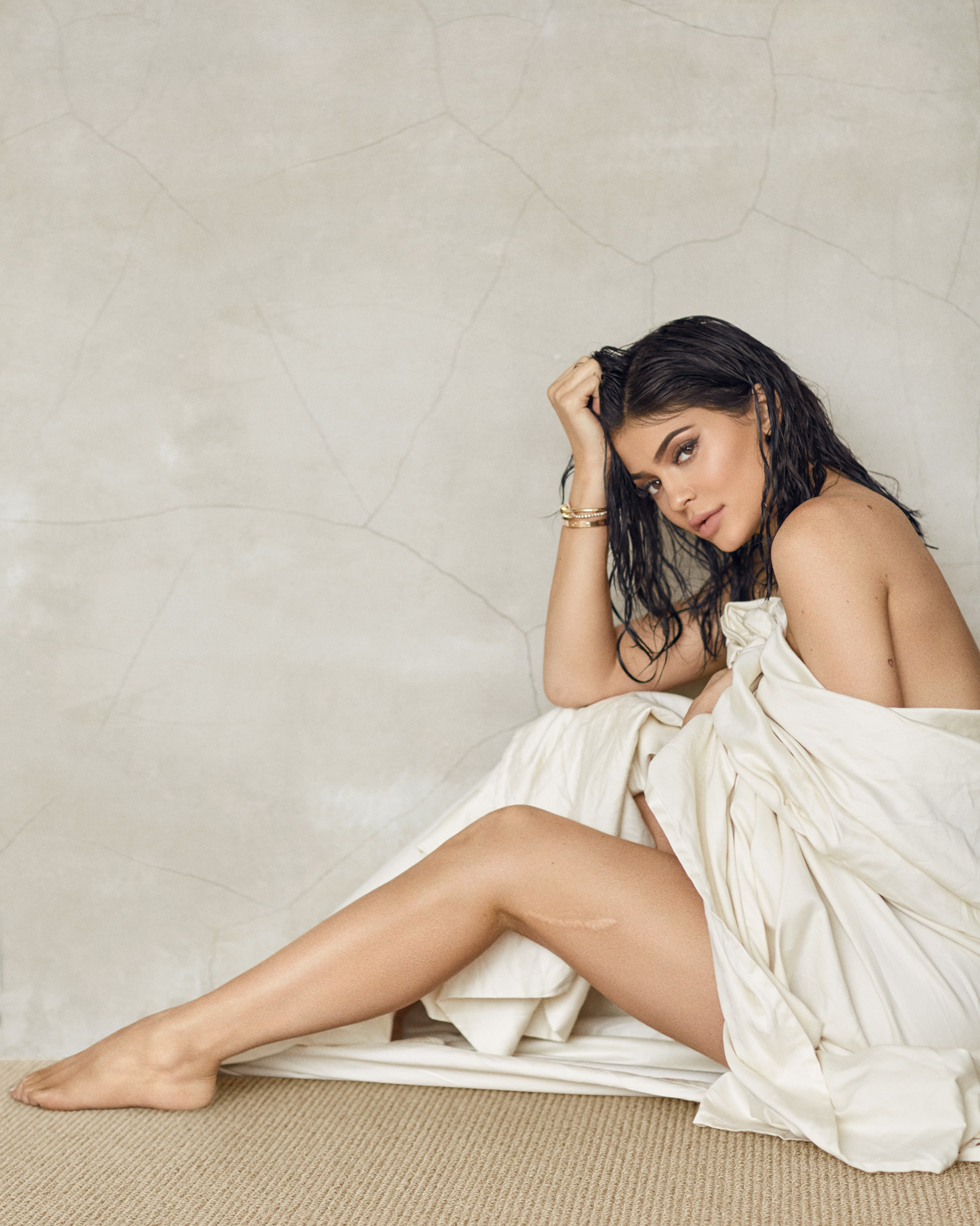 49 Sexy Kylie Jenner Feet Pictures Prove That She Has