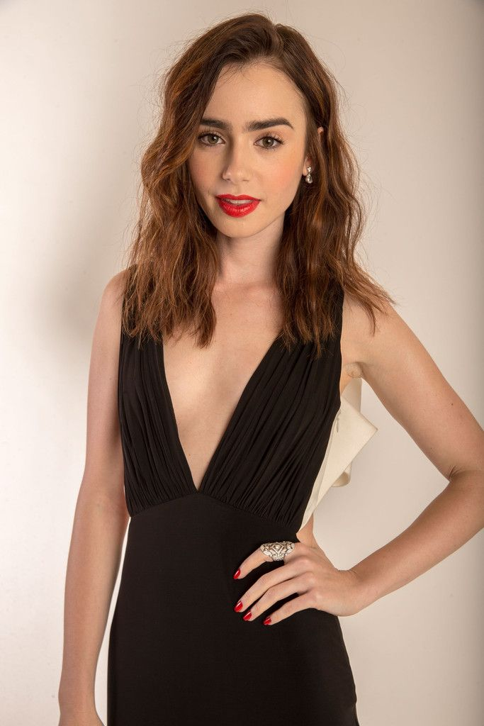 Lily Collins awesome pics