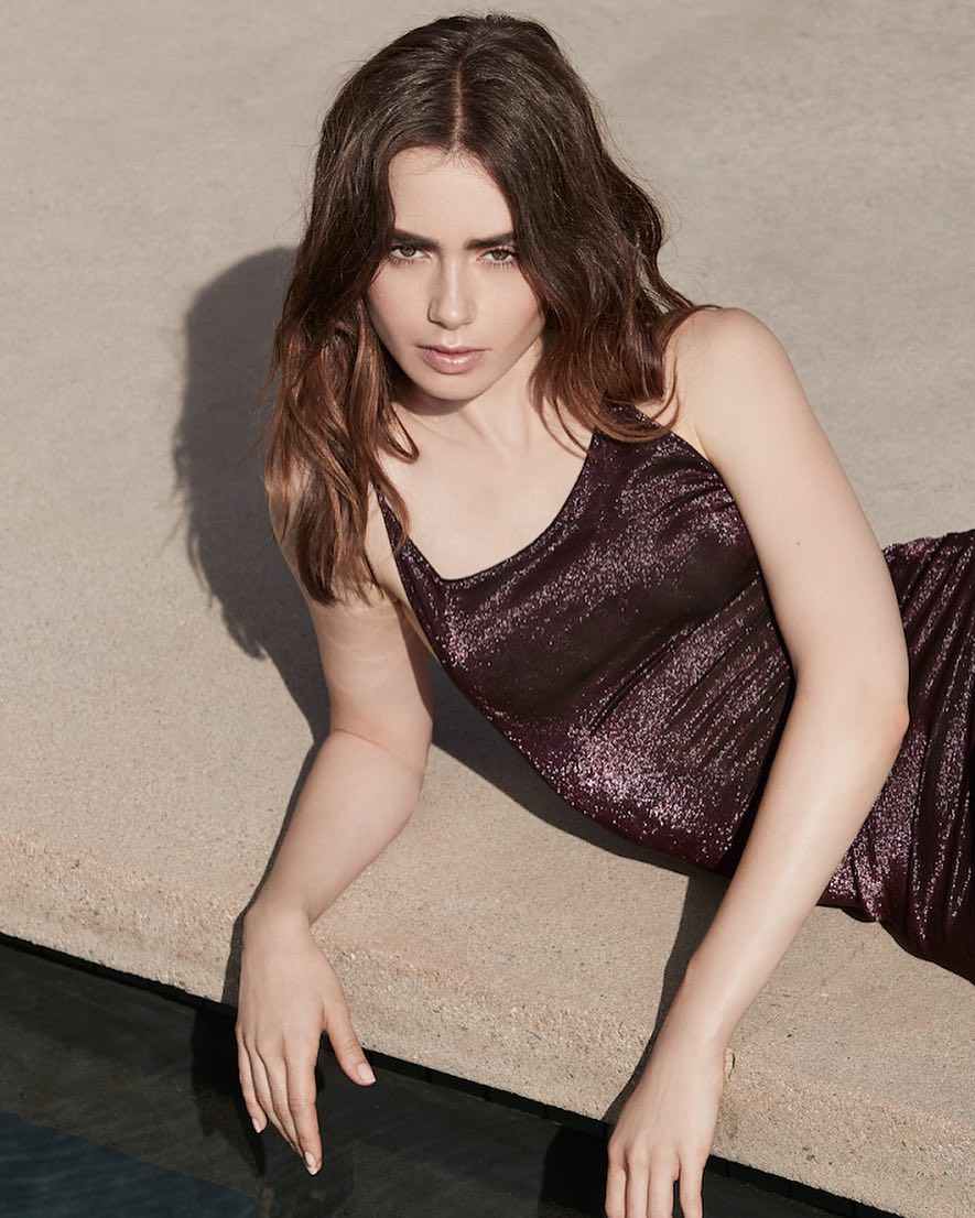 Lily Collins hot pic