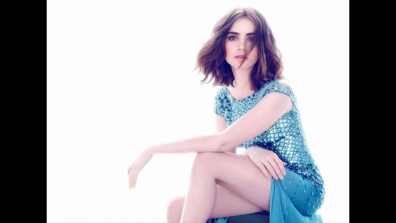 Lily Collins hot picture pic