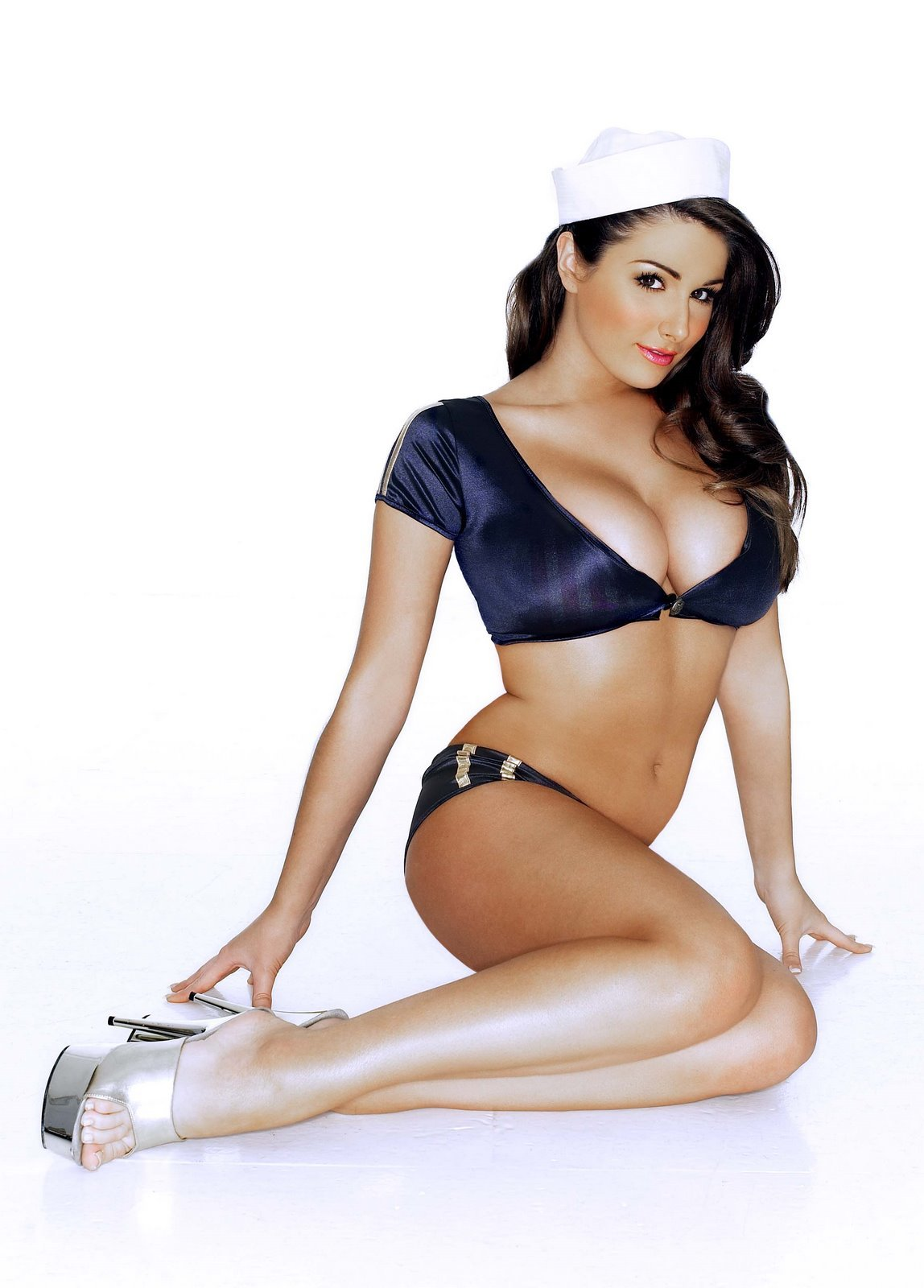 Lucy Pinder legs awesome