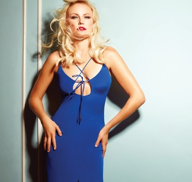 Malin Åkerman Sexy in Blue Dress