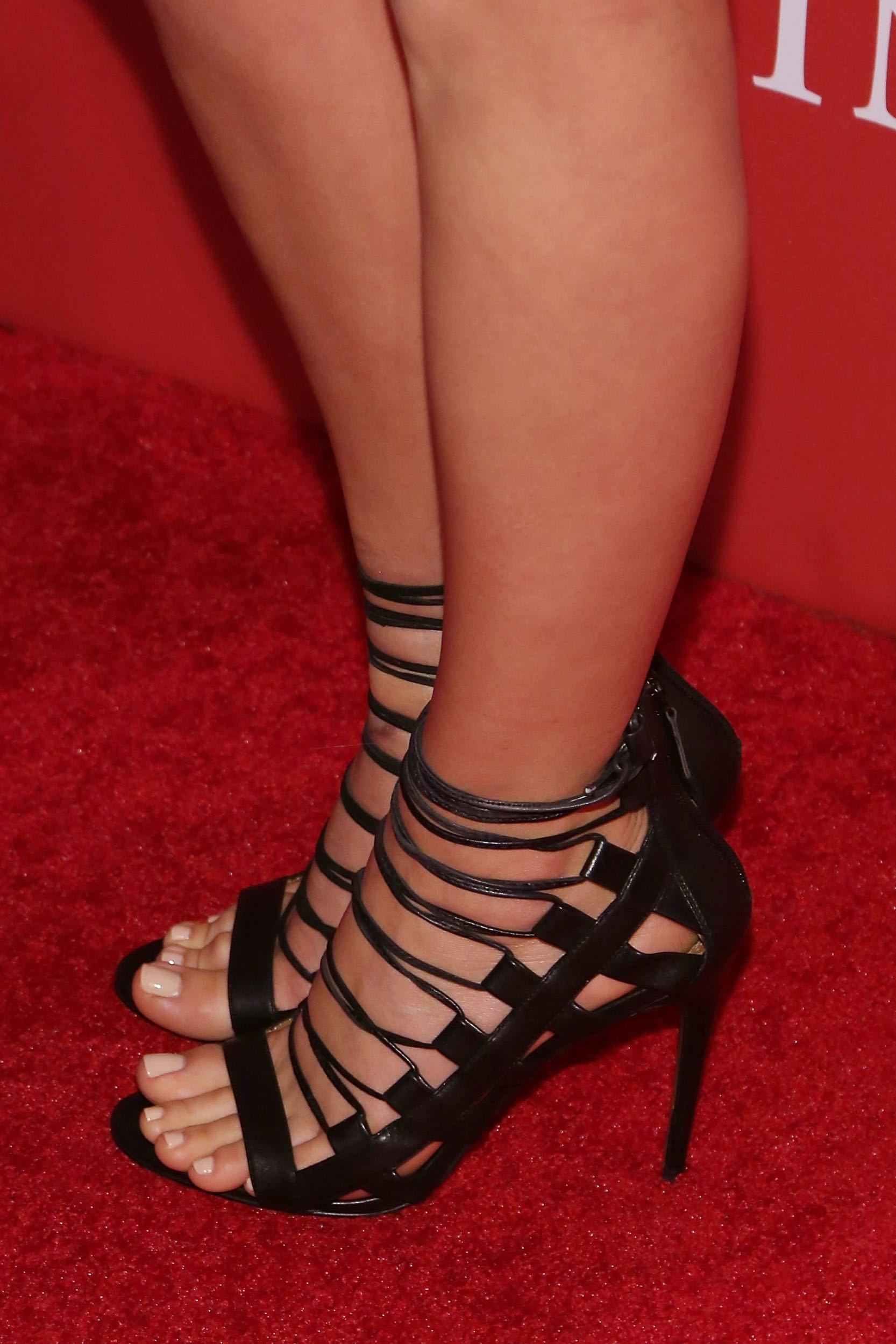 49 Hottest Margot Robbie Sexy Feet Pictures Will Rock Your
