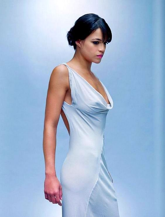 Michelle-Rodriguez-on-Photoshoot- (2)