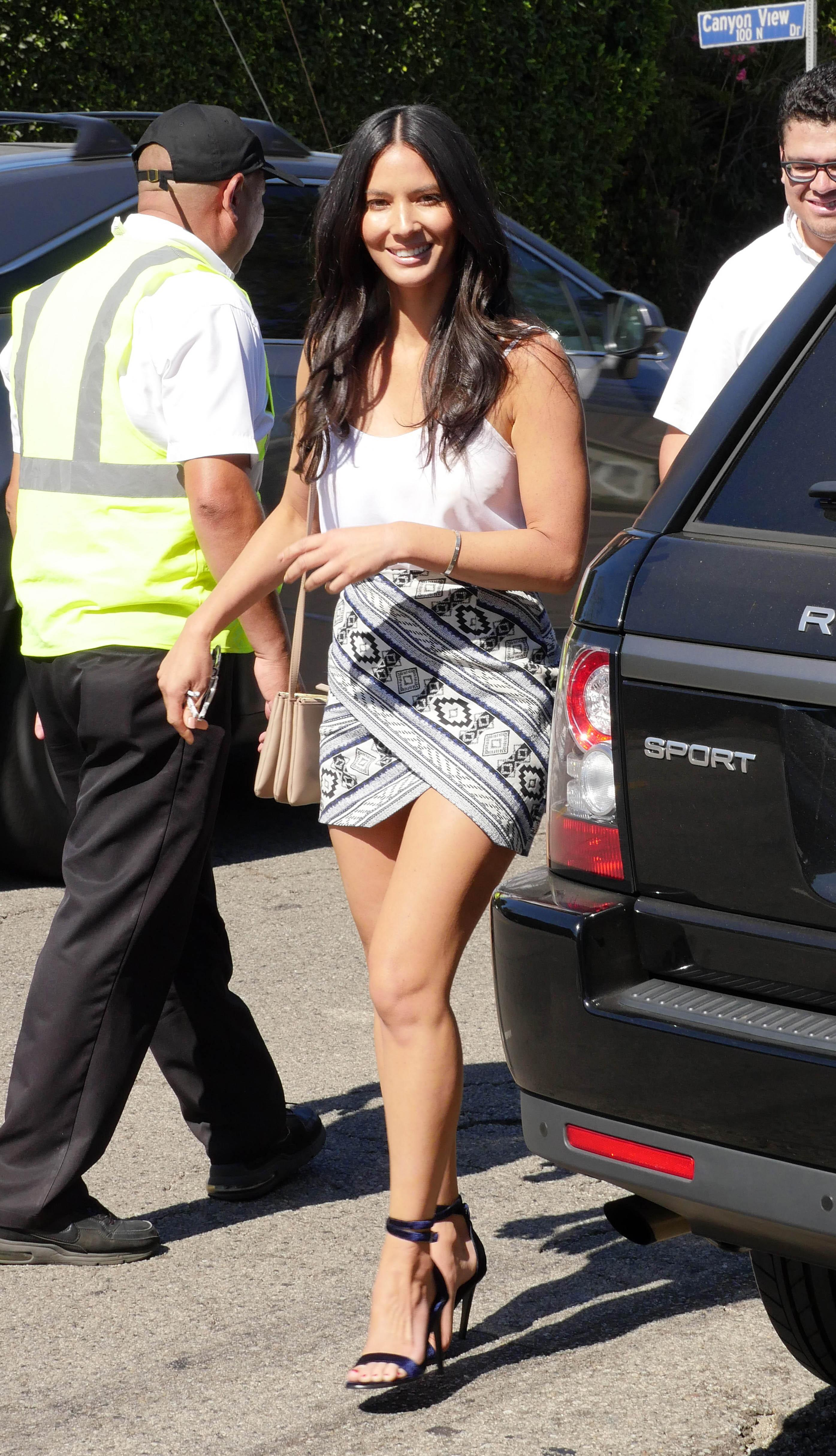 Olivia-munna-feet awesome pictures