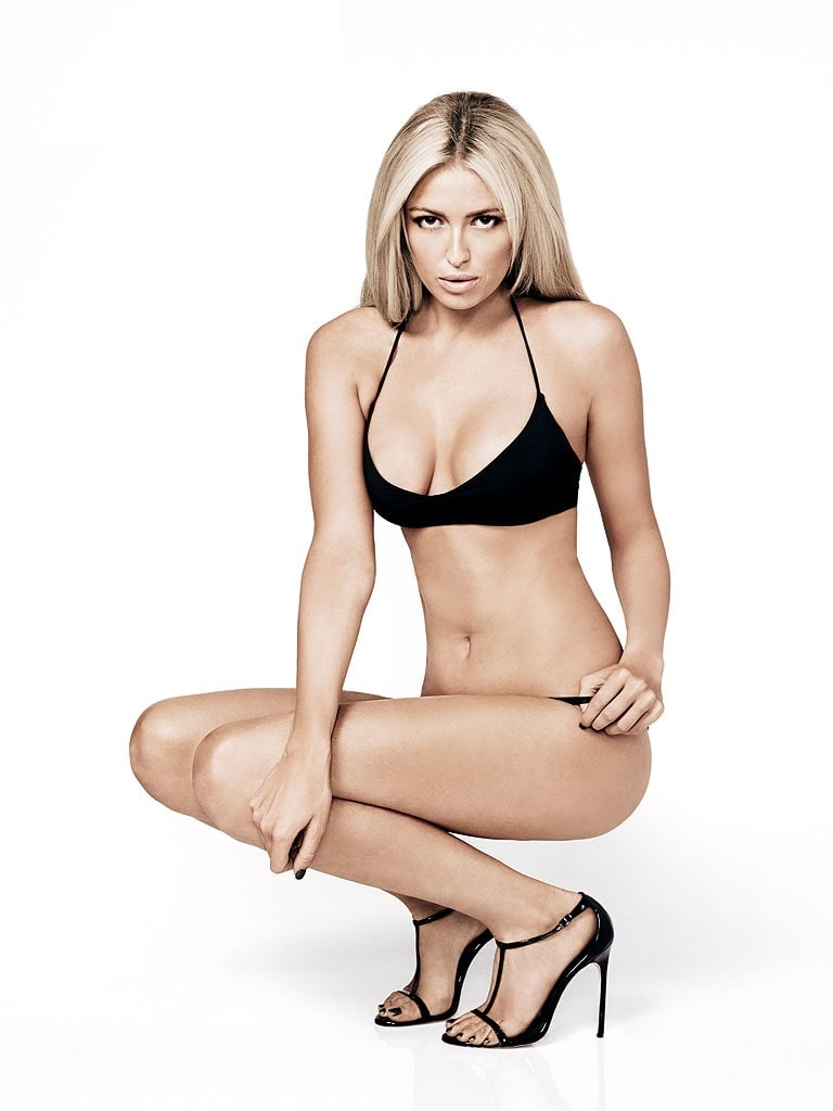 Paulina Gretzky cleavages awesome