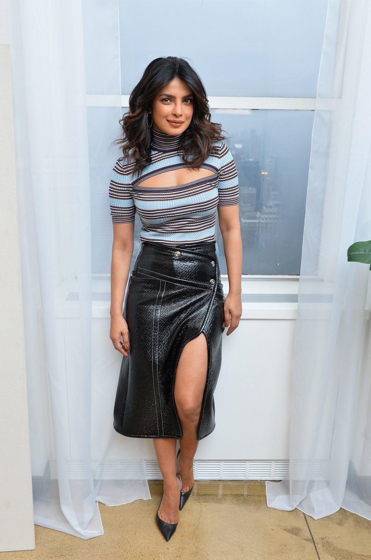 Priyanka Chopra feet awesome pic