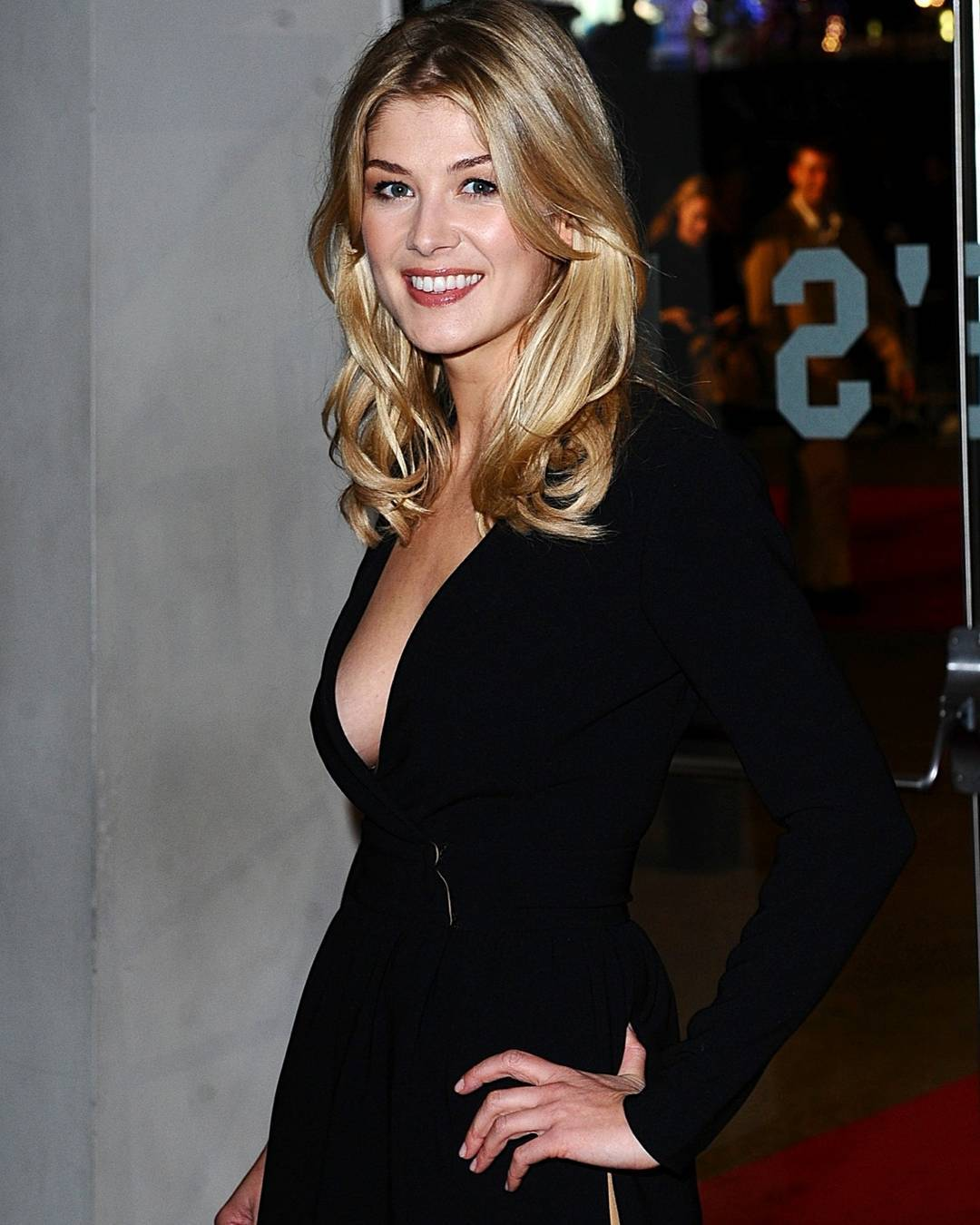Rosamund Pike awesome black dress