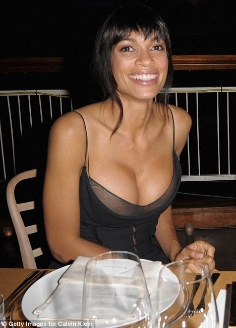 Rosario-Dawson-Big-Boobs-