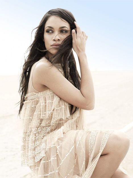 Rosario-Dawson-Hot-Photoshoot-