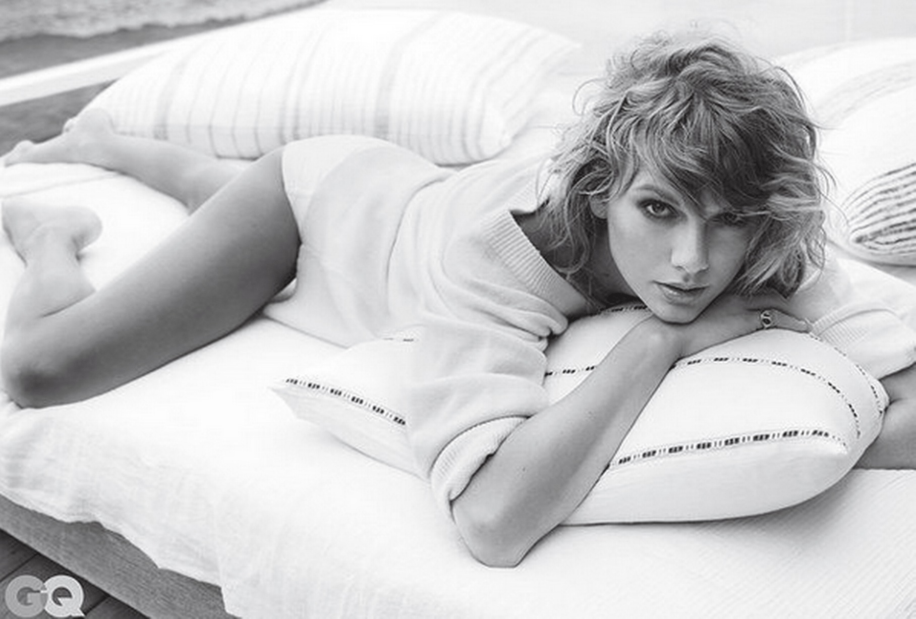 Taylor Swift Hot Photoshoot