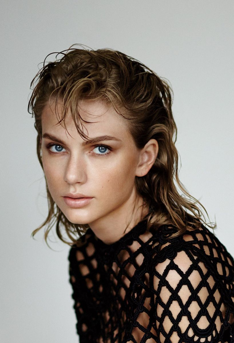 Taylor Swift on Young Photo