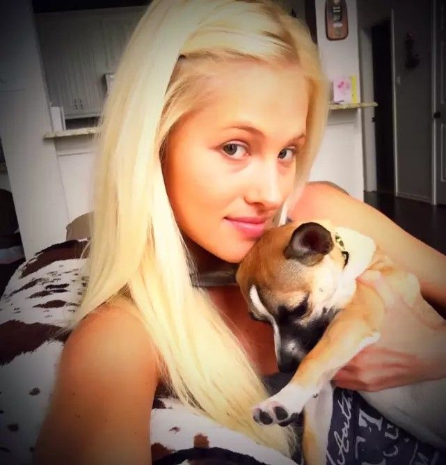 Tomi Lahren with Puppy