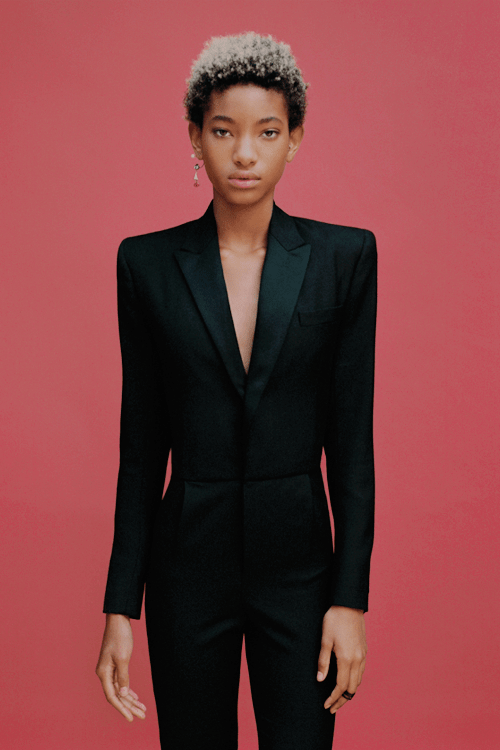 Willow Smith cleavages sexy