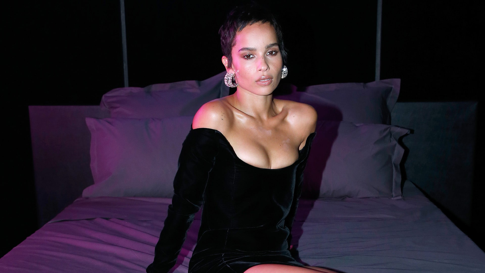 Zoe Kravitz cleavages hot