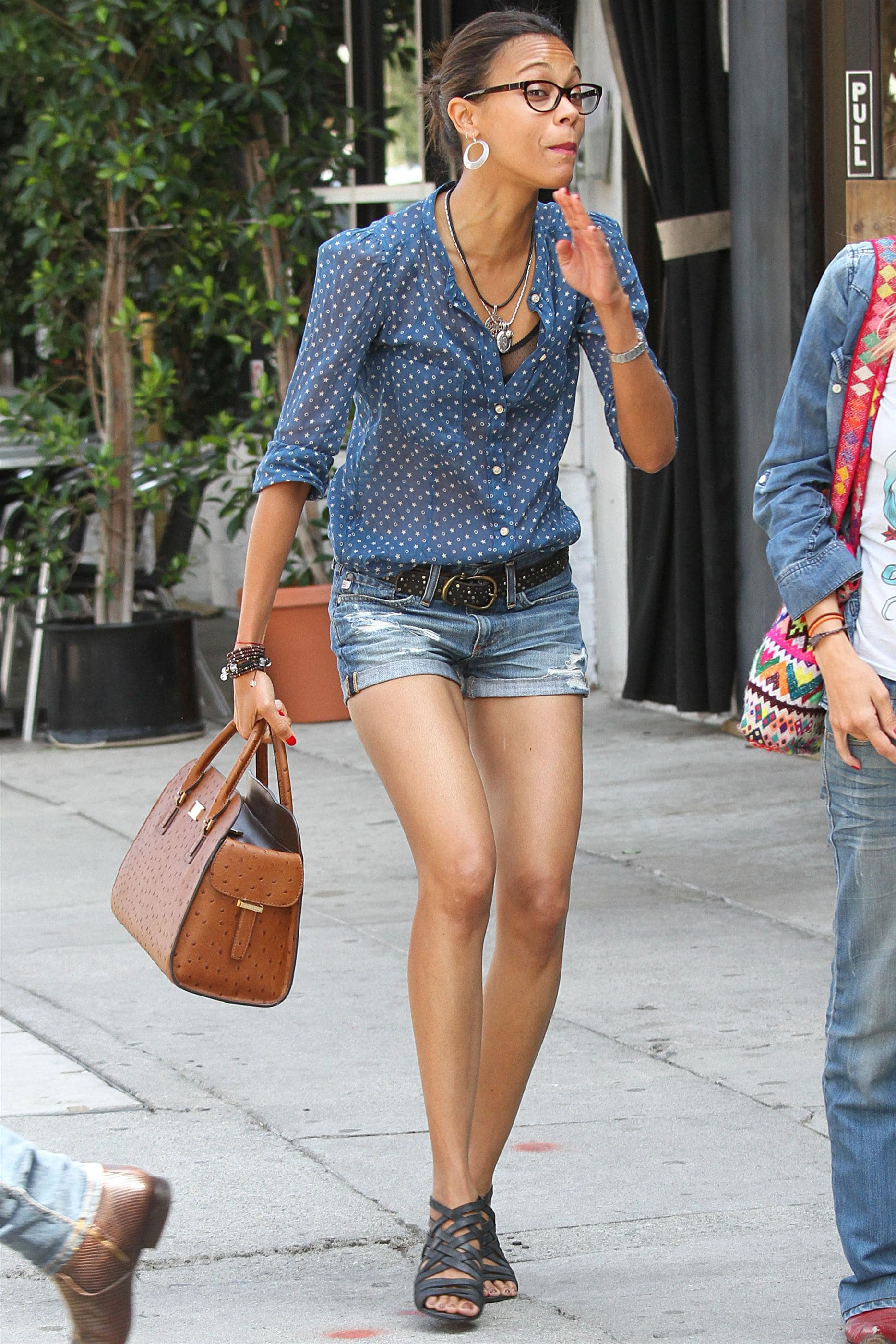 Zoe-Saldana-hot toe nails pictutres