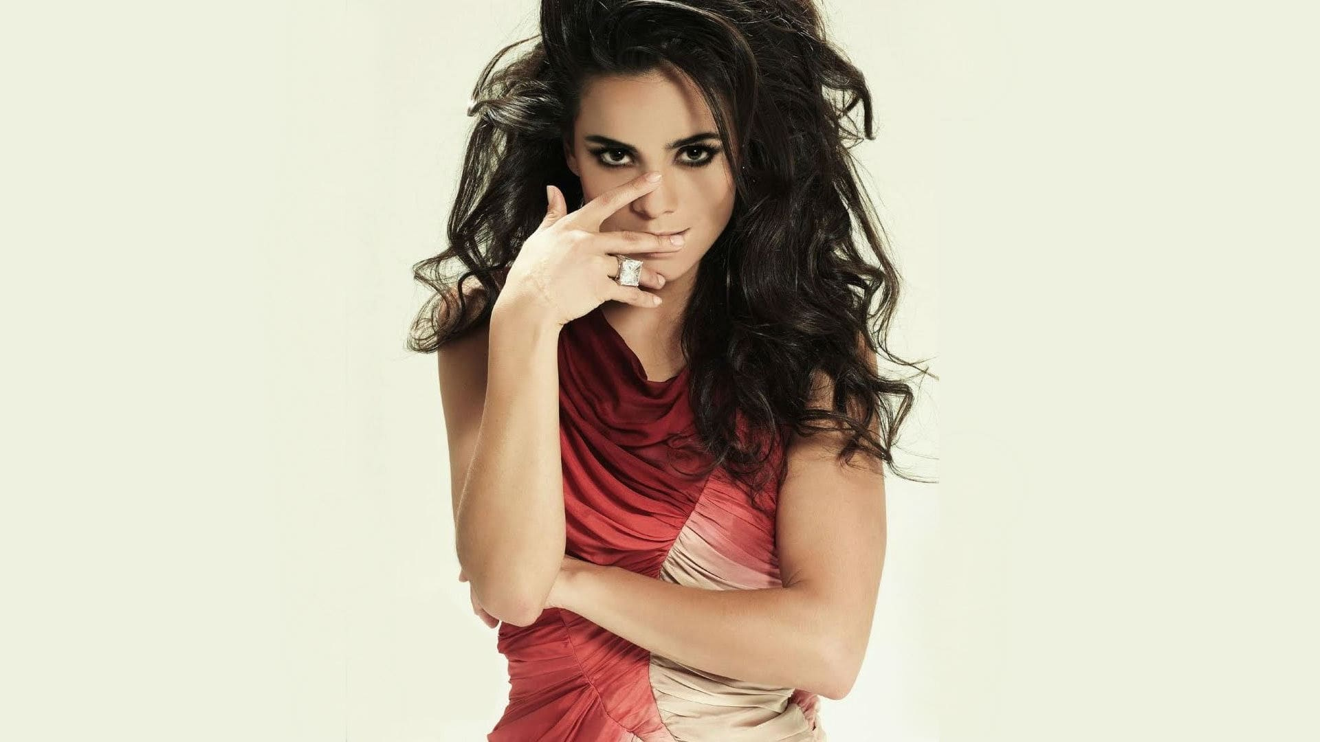 alice braga beautiful