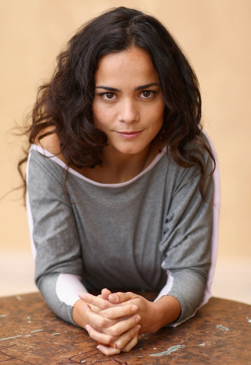 alice braga hot pics (2)