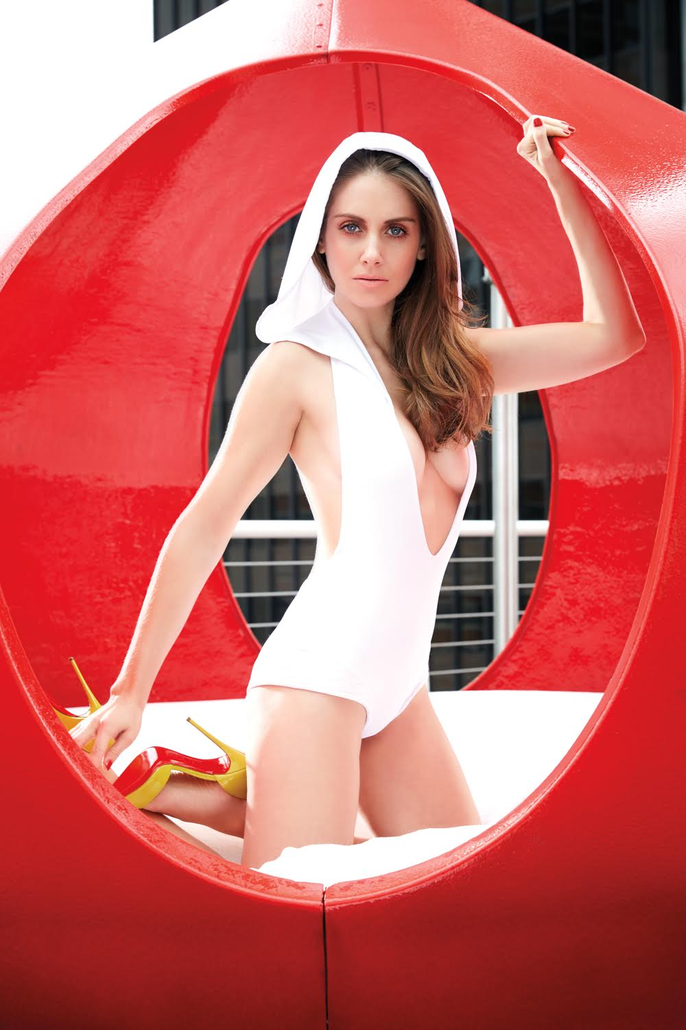 alison brie swimsuit pictures