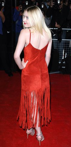 dakota fanning red dress