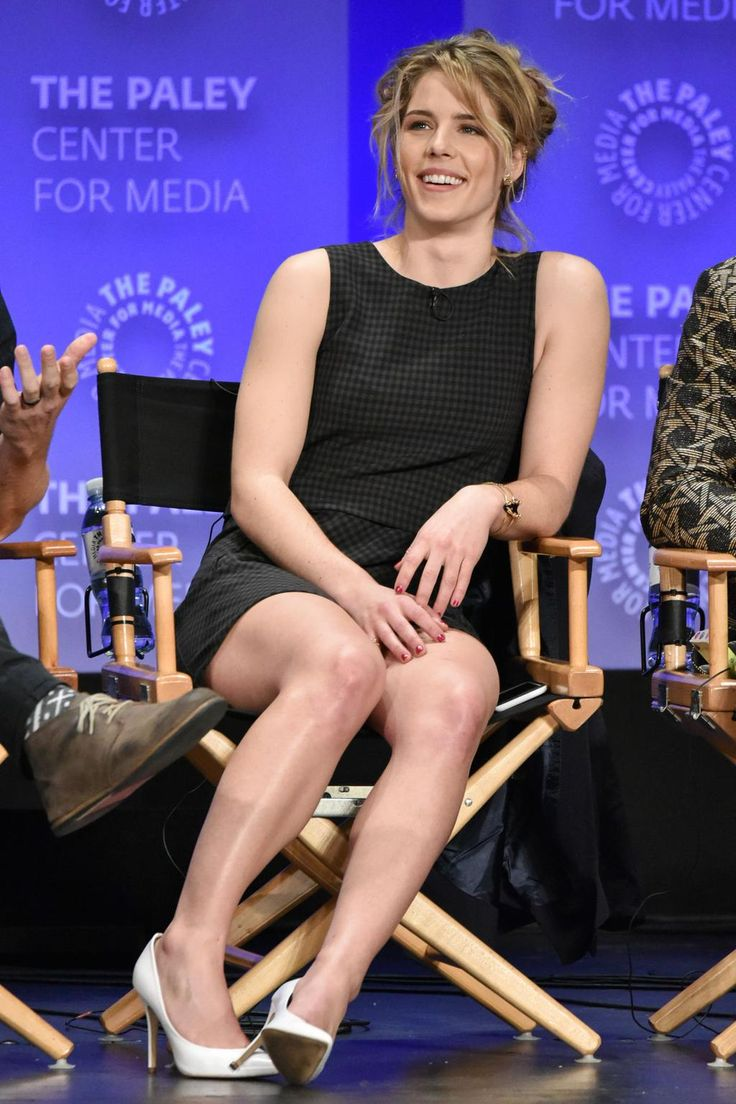 emily bett awesome thighs