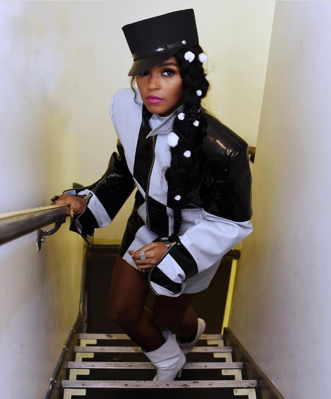 janelle monae looking sexy