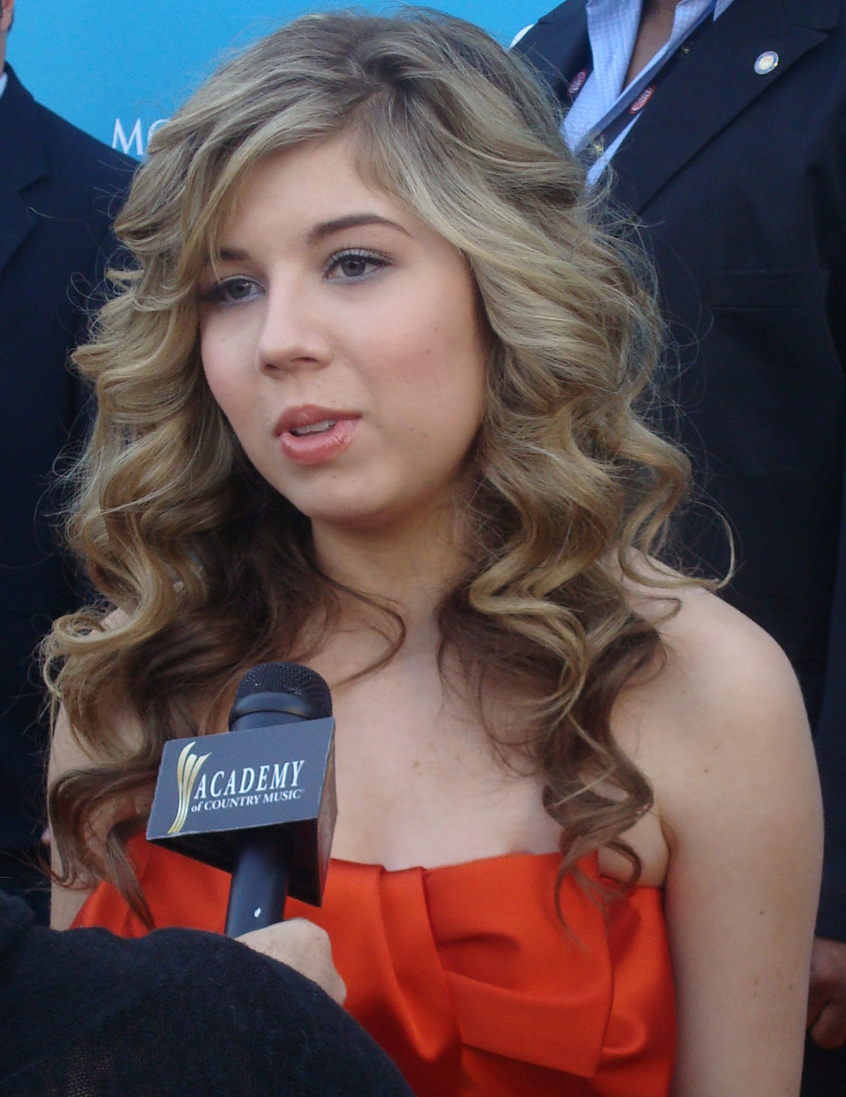 jennette mccurdy sexy dress