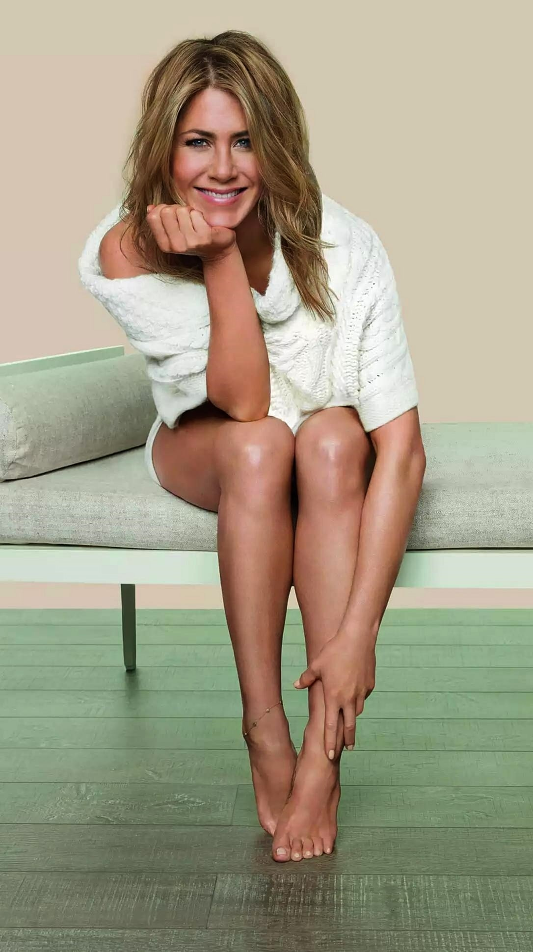 49 Hottest Jennifer Aniston Sexy Feet Pictures Are Truly -1129